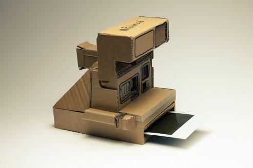 Polaroid Kamera aus Karton